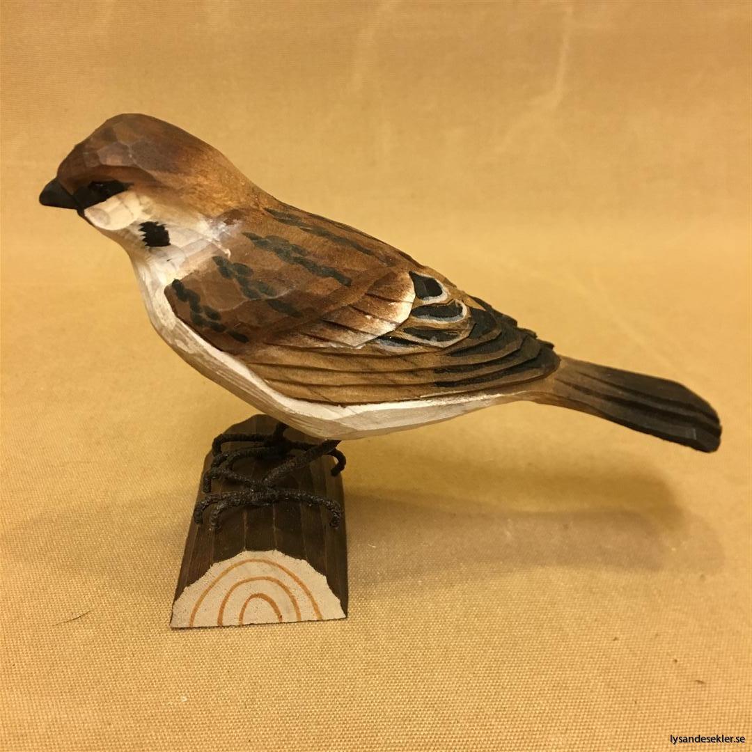 pilfink handsnidad  i naturlig storlek talgoxe trä fågel snidad dekoration (1)