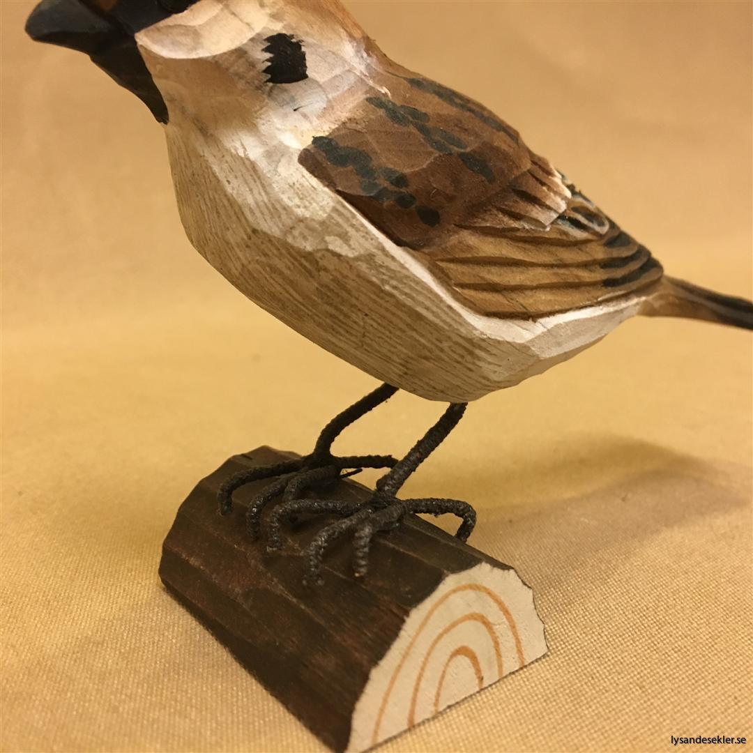 pilfink handsnidad  i naturlig storlek talgoxe trä fågel snidad dekoration (2)
