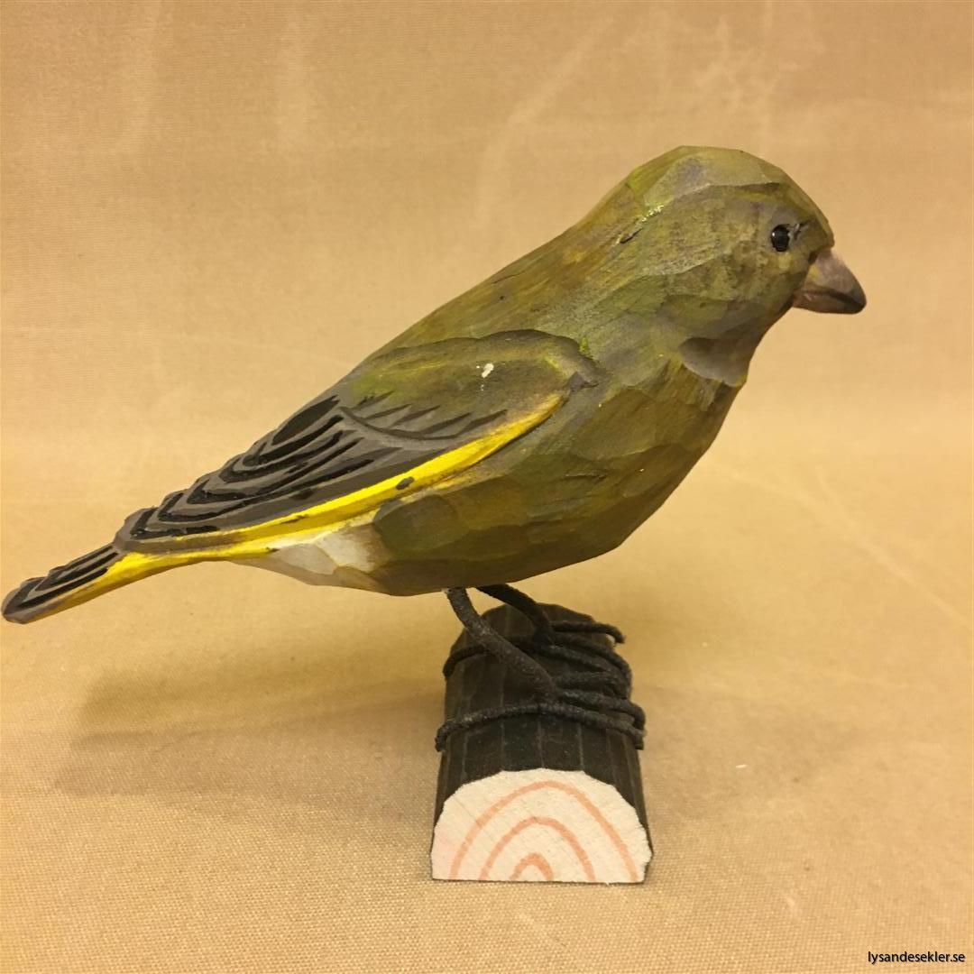 grönsiska handsnidad fågel trä snidad naturlig storlek dekoration (2)