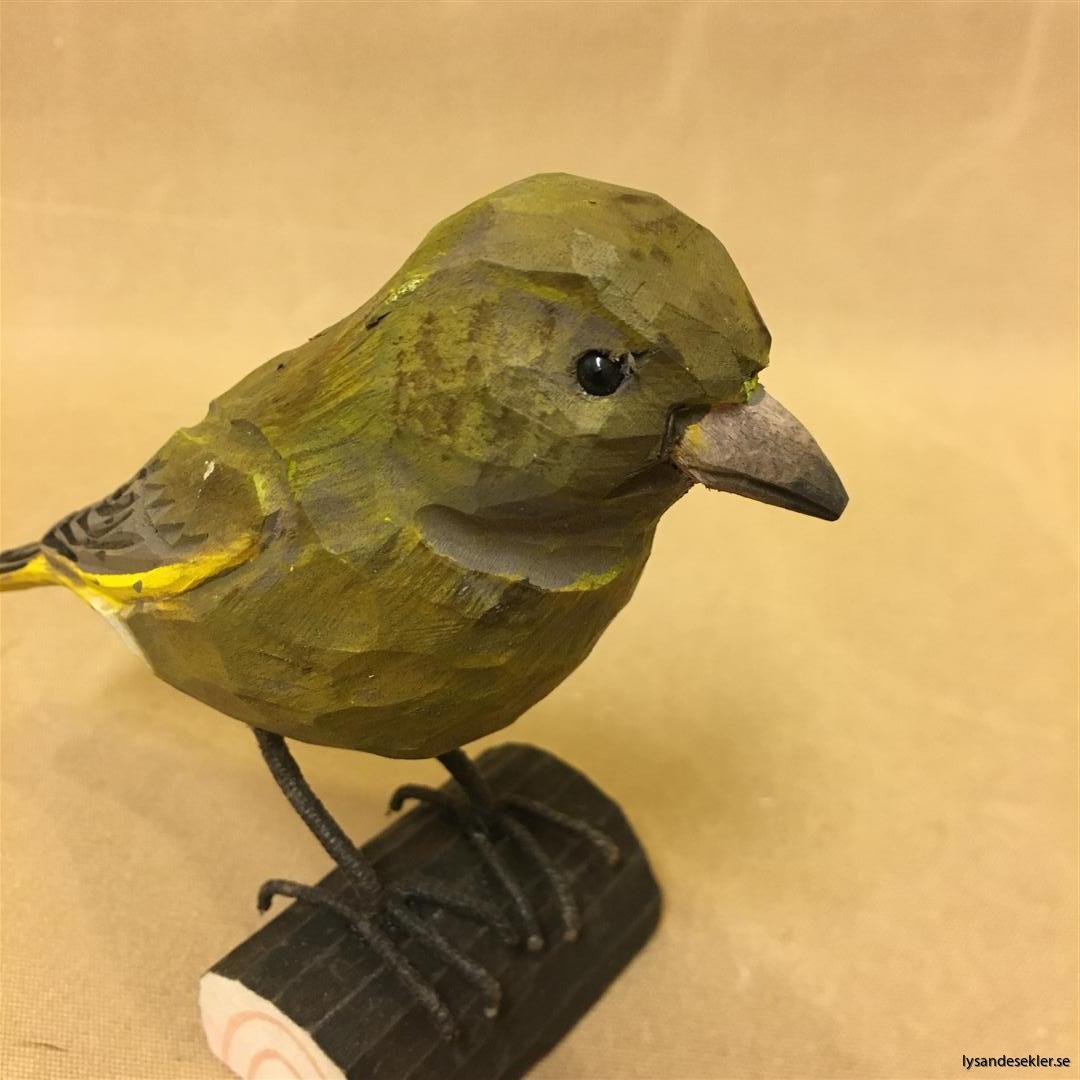 grönsiska handsnidad fågel trä snidad naturlig storlek dekoration (5)