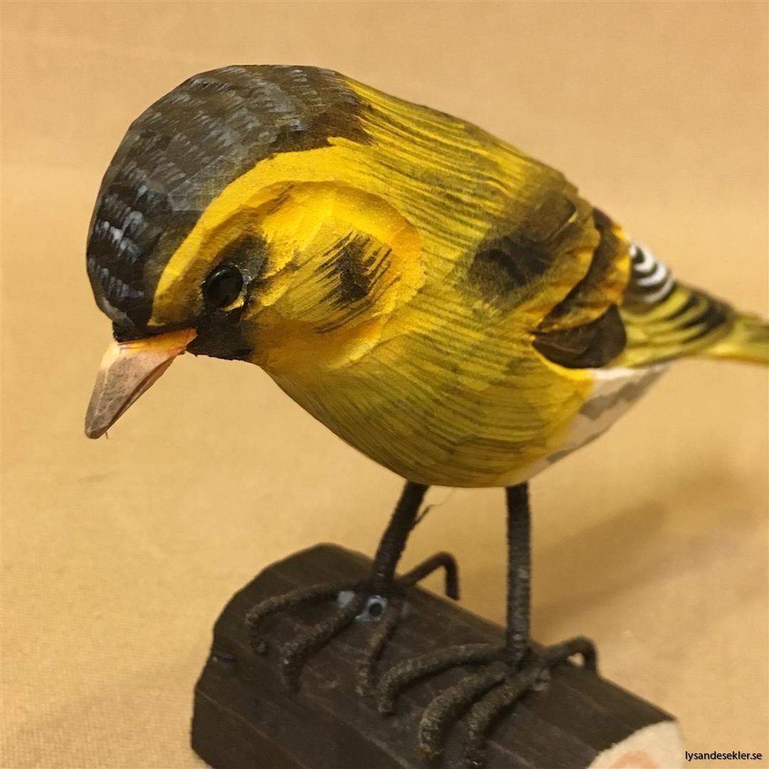 grönsiska handsnidad fågel trä snidad naturlig storlek dekoration (3)