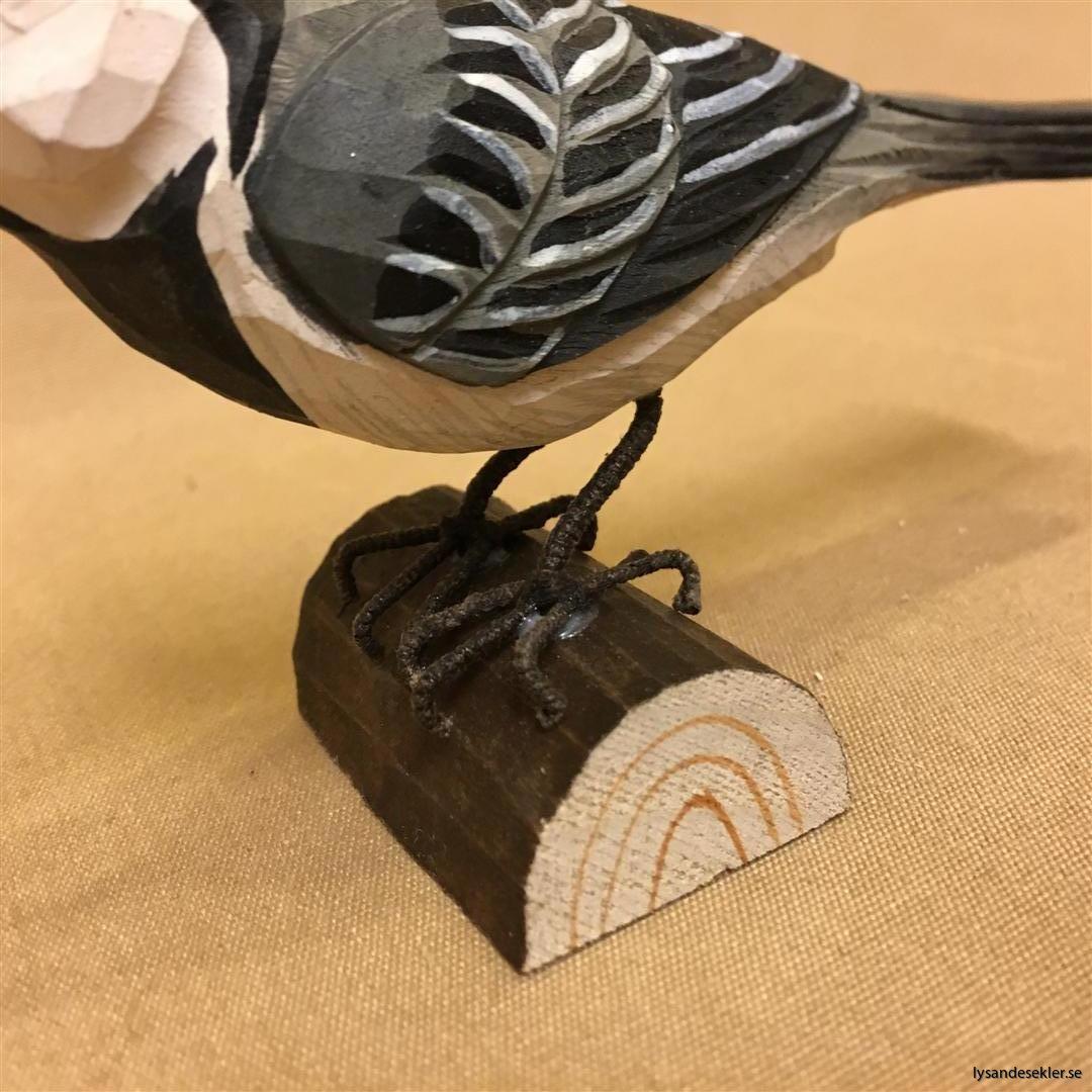 sädesärla  handsnidad fågel trä snidad naturlig storlek dekoration (3)