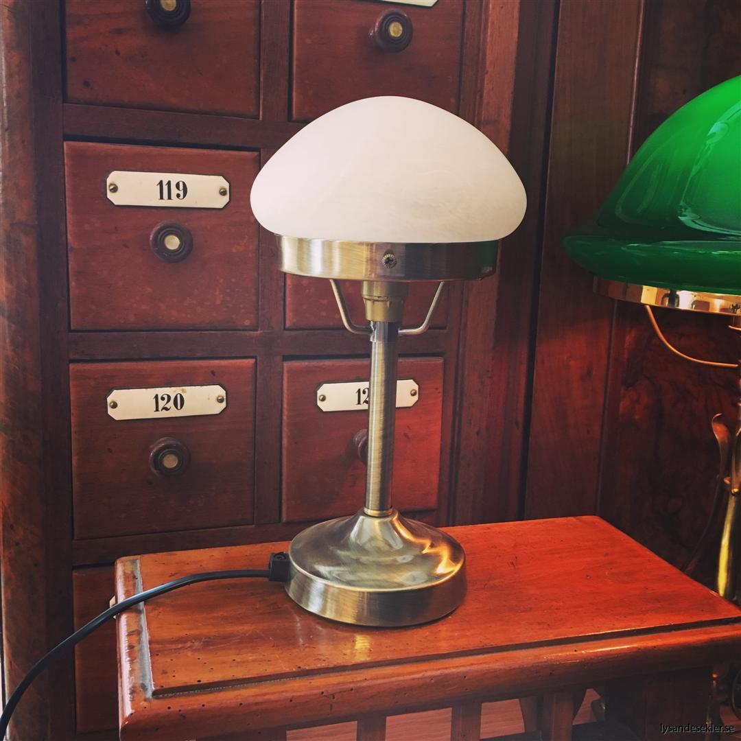 liten strindbergslampa