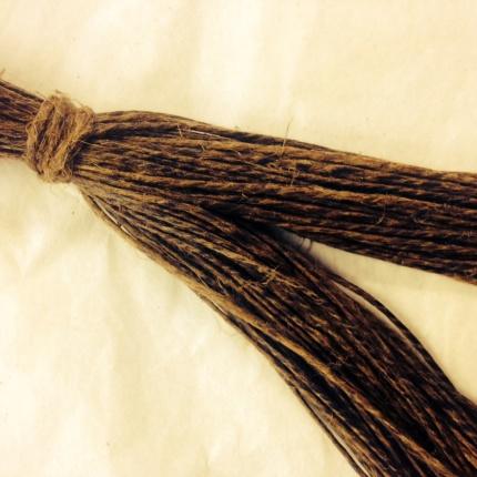Hampdocka med tunn tjärad tråd 20 meter - Tjärdocka 2/4 (1,1mm)