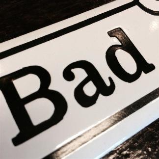 Emaljskylt: Bad - Skylt emalj: Bad
