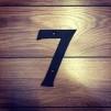 Siffra i gjutjärn - 7 - Siffran SJU inkl. 2 skruvar och brickor