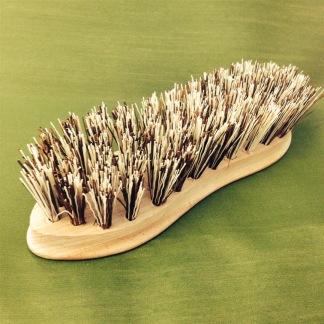 Grov skurborste trä - Skurborste svängd form brun grov borst