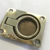 Durkbeslag 47x63 mm i mässing (luckbeslag) - Durkbeslag stående i polerad mässing med runt handtag