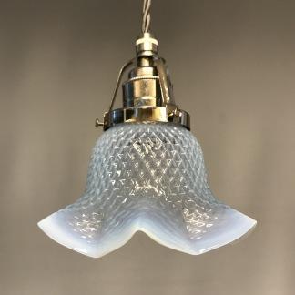 Opalinglas-lampa med tygsladd (äldre) - Äldre lampskärm + tygsladd grå med klofäste