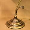 Jugendlampan med vit klockskärm med rak kant