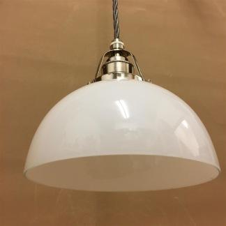 Opalvit skålformad skärm med nickel/grå tygsladdsupphäng - Skålformad vit hänglampa med tvinnat grått tygsladdsupphäng