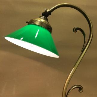 Jugendlampan med liten grön skomakarskärm - Jugendlampan med liten grön skomakarskärm