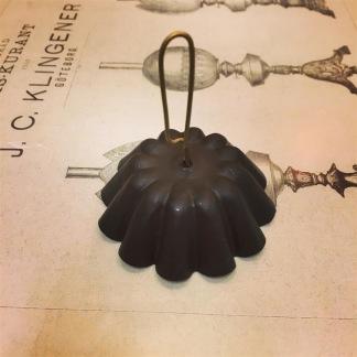 Sotskydd hängande svart (Reservdel till fotogenlampa) - Sotskydd LITET 5 cm hängande svartmålat