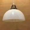 Opalvit skålformad skärm med enkelt plastupphäng - Vit skålformad klockskärm med rak nederkant + 390 cm sladdupphäng med väggkontakt