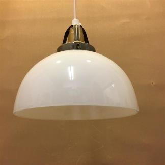 Opalvit skålformad skärm med enkelt plastupphäng - Vit skålformad klockskärm med rak nederkant  + 130 cm sladdupphäng med klippt sladd (för tak)