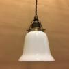 Opalvit svagt klockad skärm med antikt/brunt tygsladdsupphäng - Opalvit kupa rak kant med tvinnat brunt tygsladdsupphäng