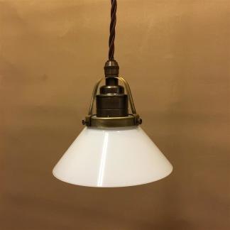 Opalvit 15 cm skomakarskärm med antikt/brunt tygsladdsupphäng - 150 mm vit skomakarelampa med tvinnat brunt tygsladdsupphäng