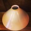 Gul 25 cm skomakarskärm med nickel/grå tygsladdsupphäng