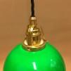 Mörkgrön skålformad skärm med mässing/svart tygsladdsupphäng