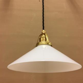 Opalvit 25 cm skomakarskärm med mässing/svart tygsladdsupphäng - 250 mm vit skomakarelampa med tvinnat svart tygsladdsupphäng