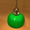 Mörkgrön skålformad skärm med nickel/grå tygsladdsupphäng