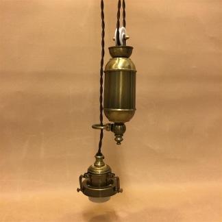 Sladdupphäng med hiss - brunt/antik med klofattning(3 skruvar) - Brunt sladdupphäng med antik mässingshiss