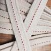 20 mm veke för flatbrännare (Veklängd: 25 cm) (Vekar till fotogenlampor) - 20 mm bred bomullsveke (styvare veke för bl.a. Sampanlampan)