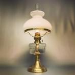 Klassisk bordsfotogenlampa med skärm (äldre)
