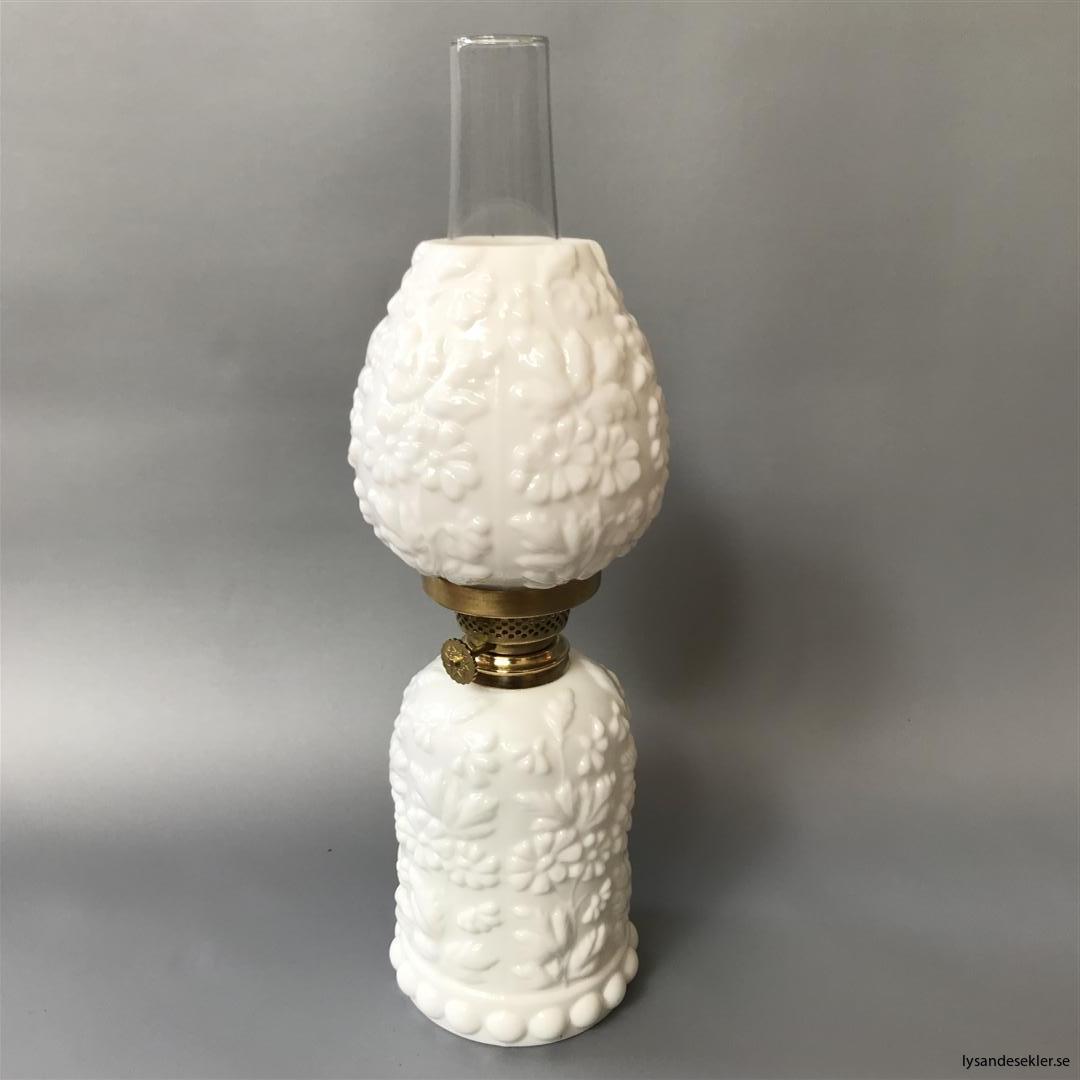 liten renoverad fästmansgåva oljelampa fotogenlampa (11)