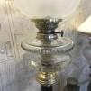 Antik fotogenlampa på svart piedestalfot 14''' (äldre)