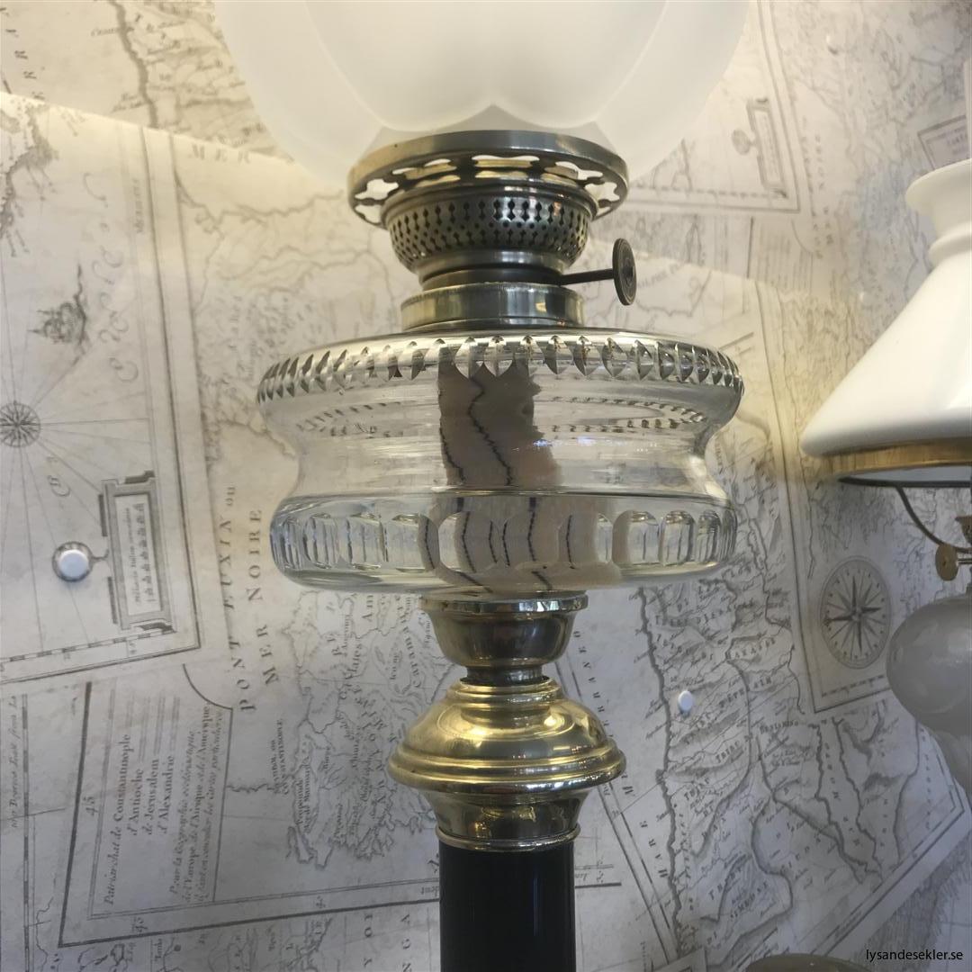 antik piedestalfotogenlampa fotogenlampa antikivtet (4)