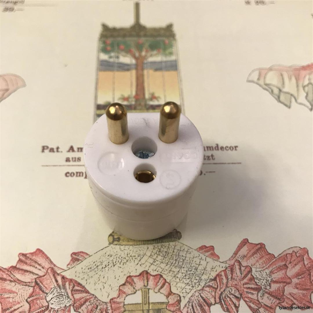 takkontakt lamppropp 2 polig jordad öppningsbar (3)