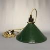 Skomakarlampa i grön plåt (äldre) - Äldre lampskärm + tygsladd guld med skomakarfäste