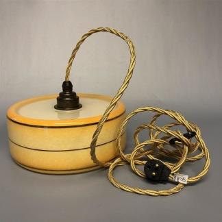 Vintagelampa med tygsladd (äldre) - Äldre lampskärm + tygsladd guld med 2 ringar