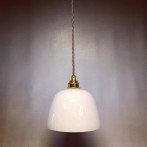 Opalvit lampa med tygsladd (äldre)