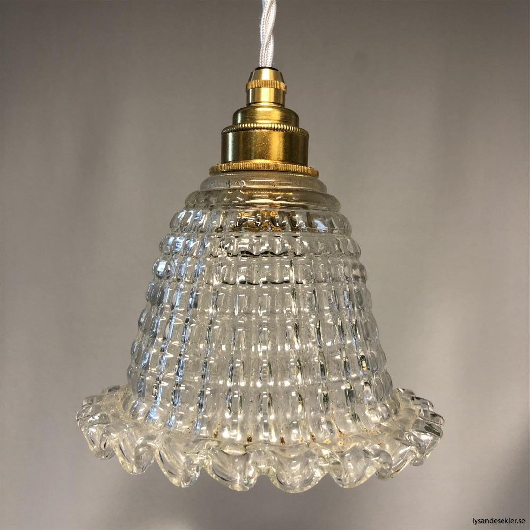 äldre elektriska lampor med tygsladd (1) (Large)