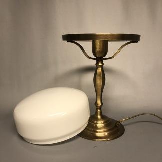 Strindbergslampa klassisk 200 mm opalvit - Strindbergslampa KLASSISK i antikoxiderad mässing + opalvit 200mm skärm