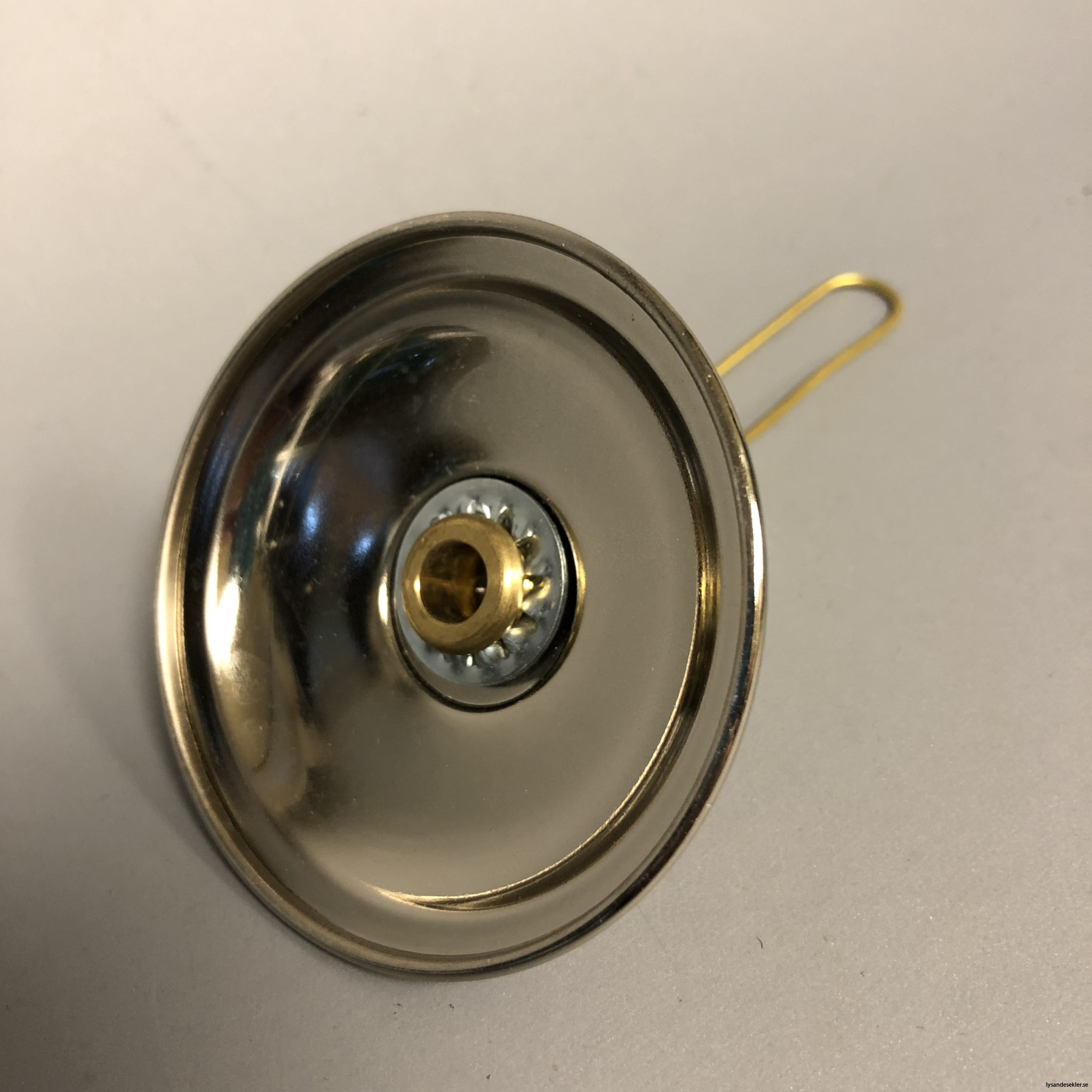 sotskydd i nickel för takfotogenlampa4