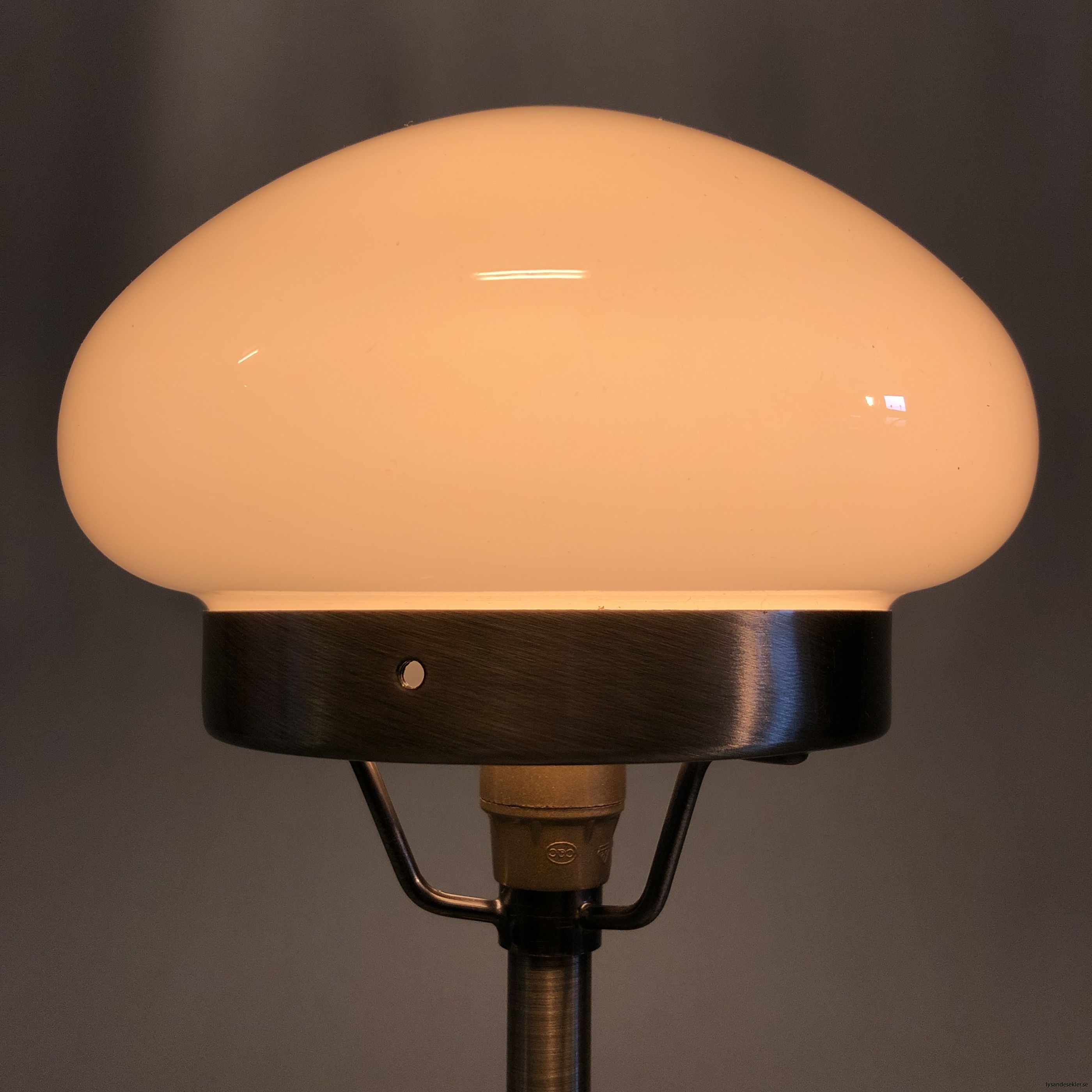 liten strindbergslampa 12 cm skärm3