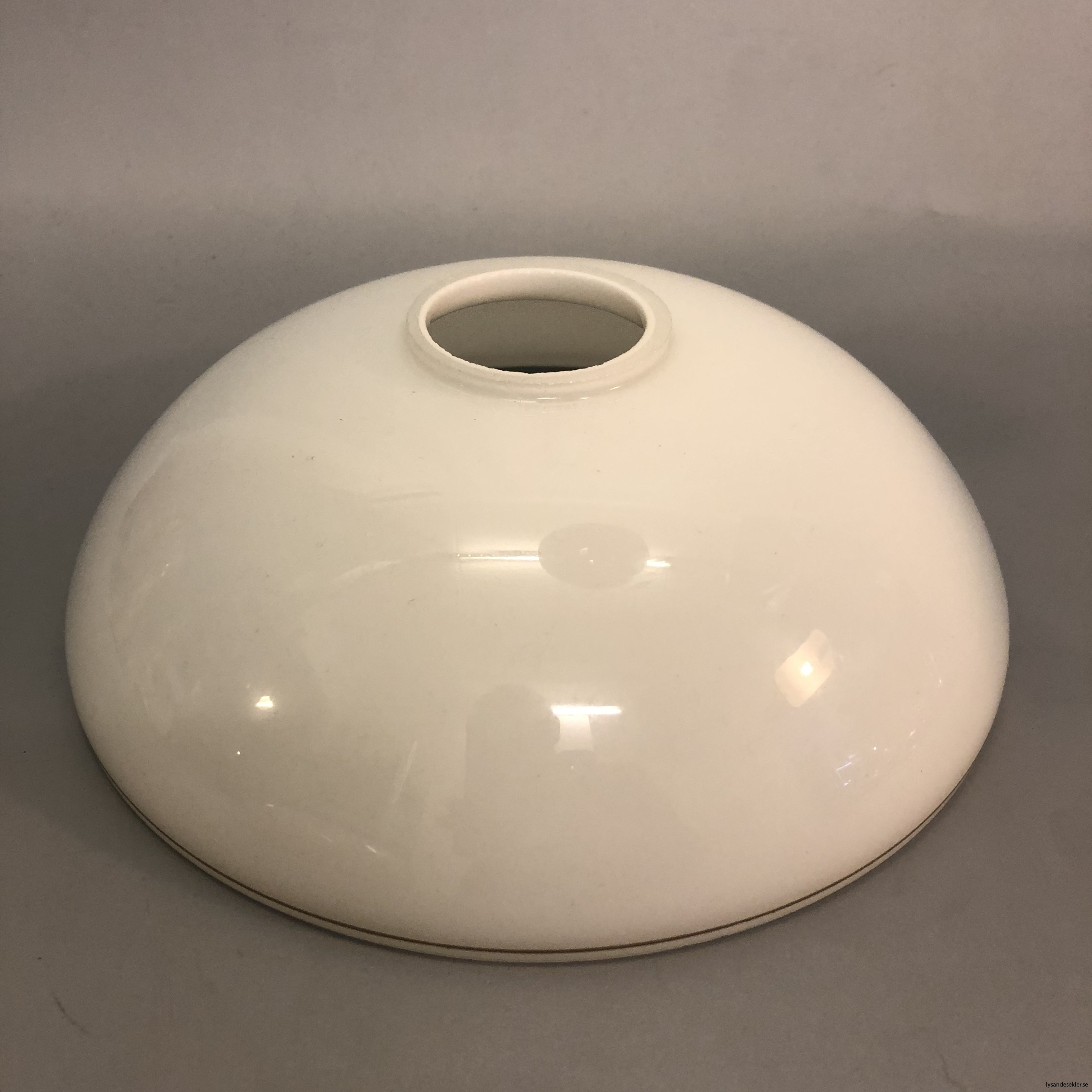flat lampskärm med hål tallriksmodell för bl.a takarmaturer8