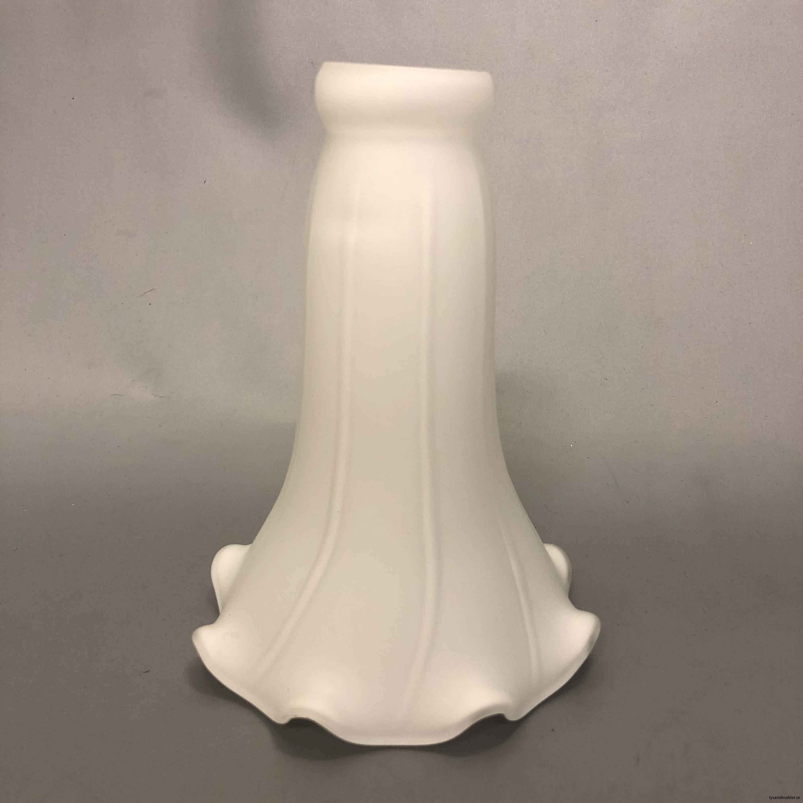 liljan matt vit kupa 40 mm upptill1