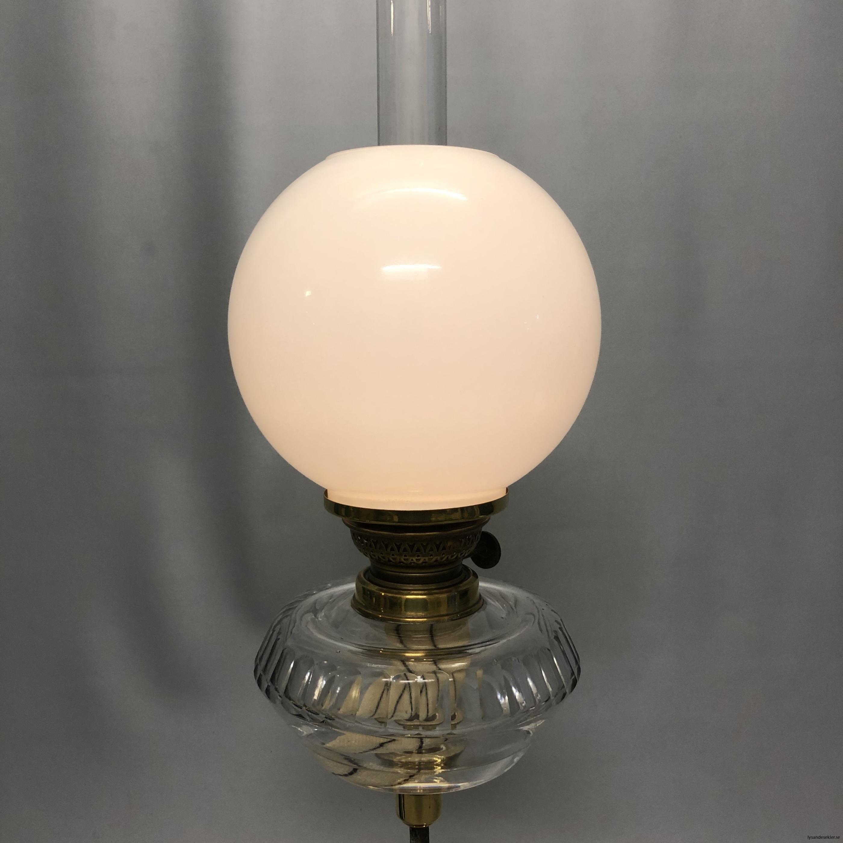 opalvit fotogenlampskupa kupa till fotogenlampa vit opal1