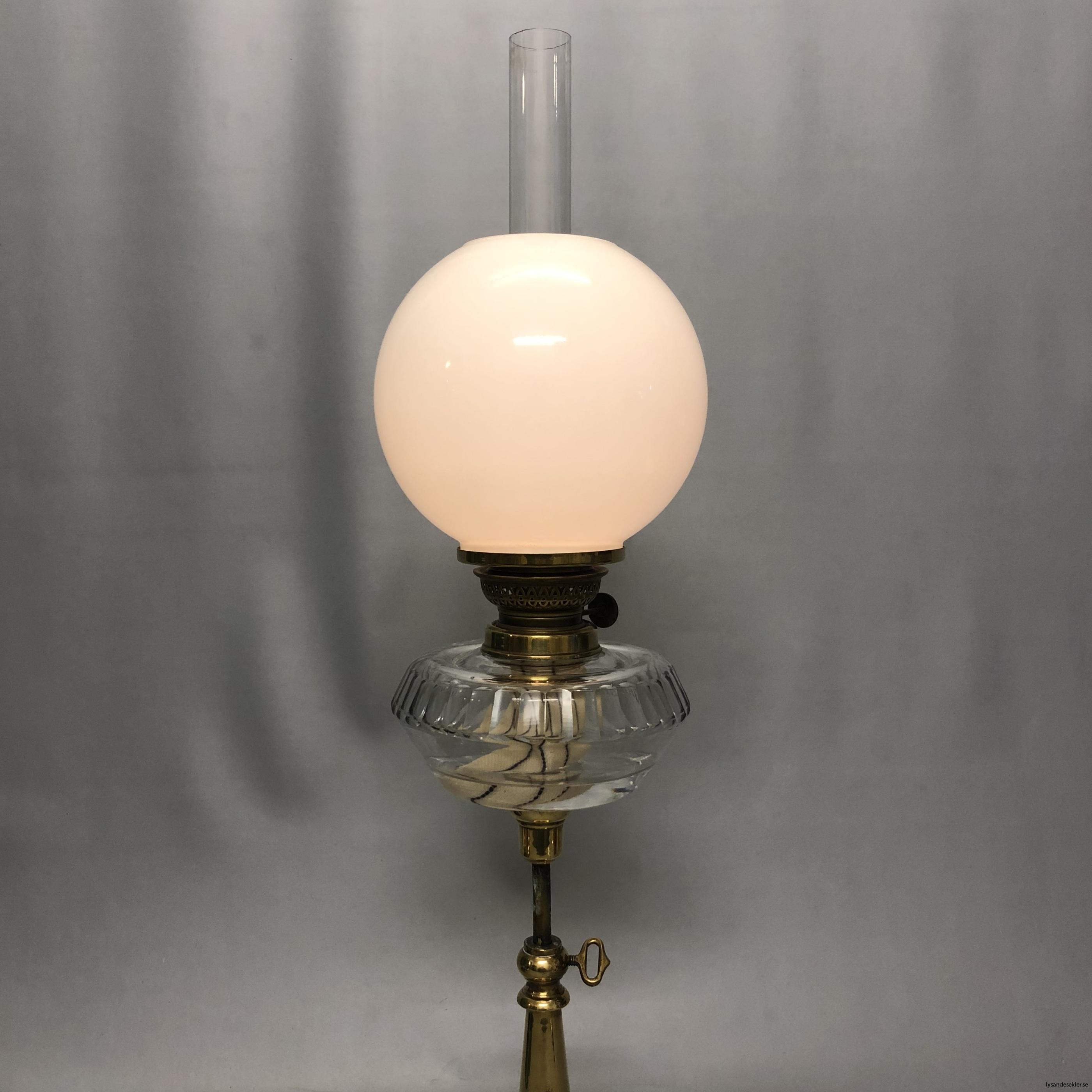 opalvit fotogenlampskupa kupa till fotogenlampa vit opal3