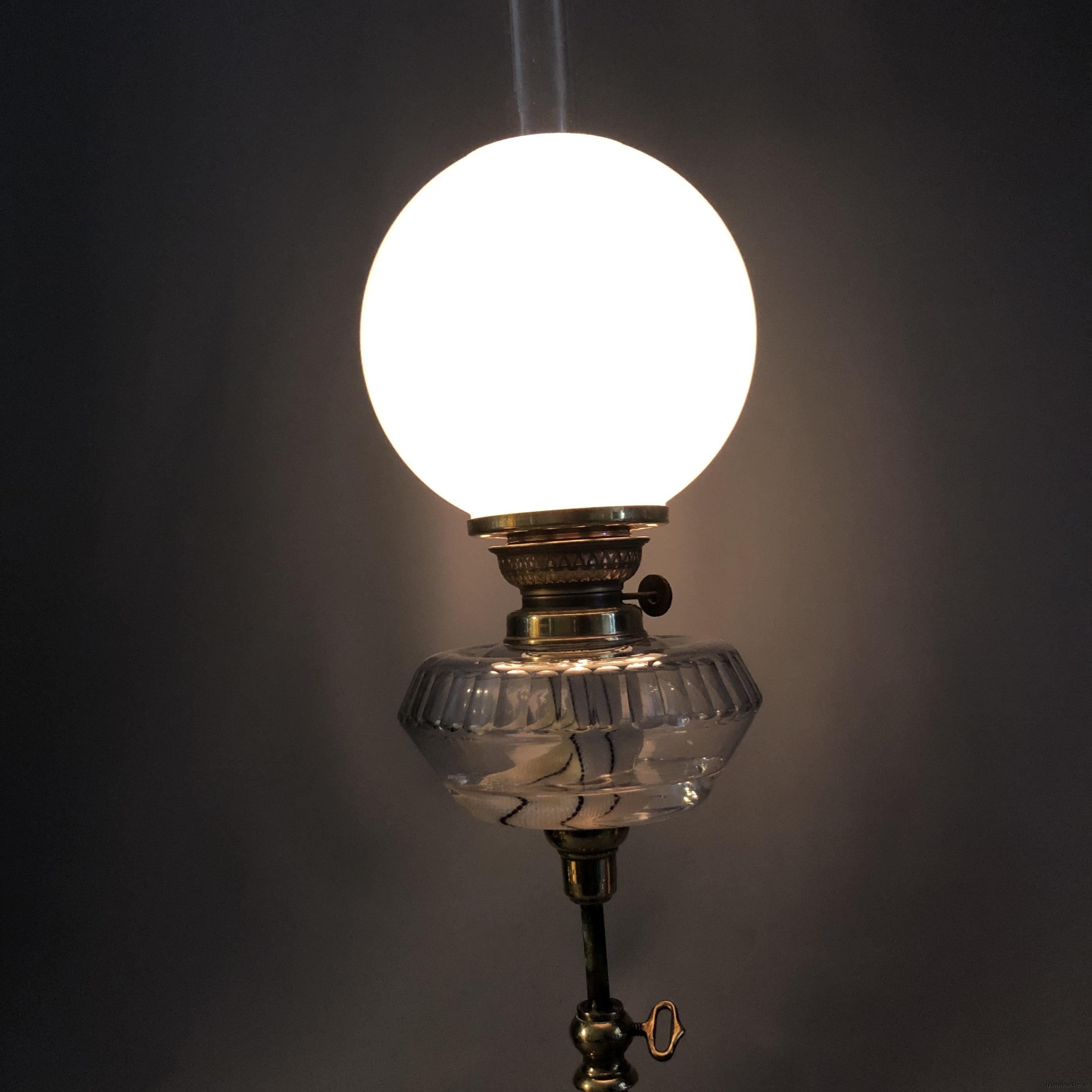 opalvit fotogenlampskupa kupa till fotogenlampa vit opal5