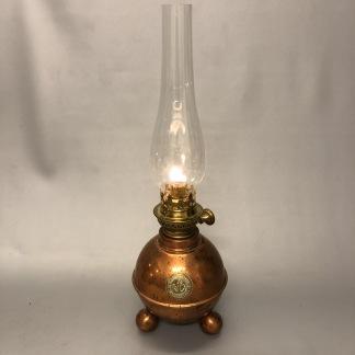 Bordslampa Dragsö 10''' i koppar (äldre) - Begagnad kopparfotogenlampa Dragsö