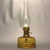 Simris Bylampa 5''' bärnsten - Lysande Sekler - Stora Simris Bylampa - blank mässing med bärnstensfärgat oljehus