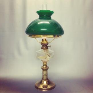 Klassisk fotogenlampa 10''' med mörkgrön skärm (äldre) - Antik fotogenlampa 10''' på mässingsfot