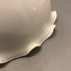 Opalvit skålformad volangskärm - 60 mm krage