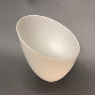 Snedskuren hålskärm matt vit - Snedskuren hålskärm i vitt matt glas