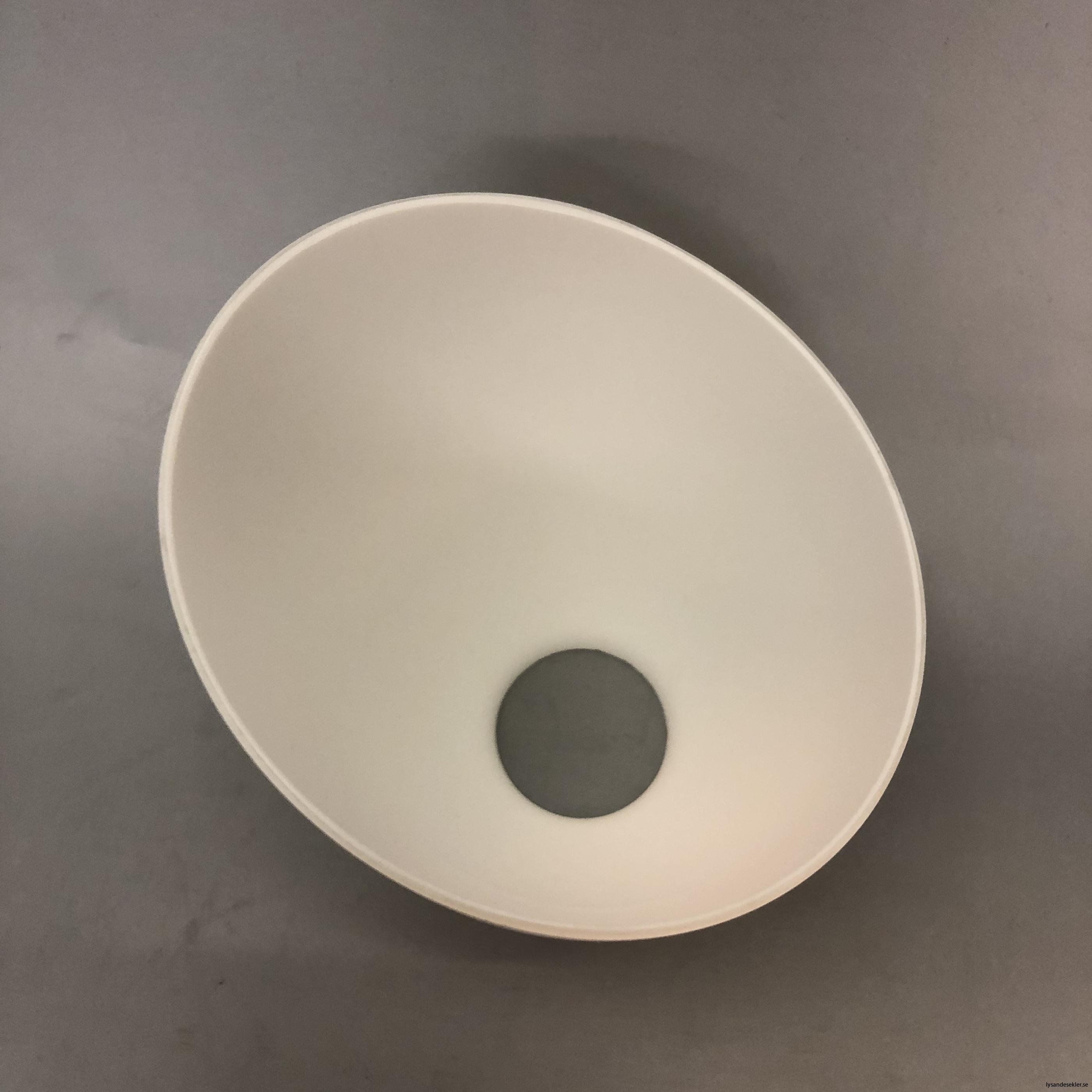 snedskuren lampskärm med hål i matt glas4